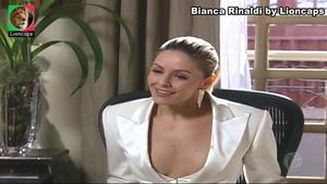 Bianca Rinaldi sensual na novela Ribeirão do Tempo