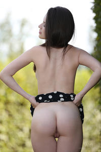 [Image: th_078495884_Serena_w4b_naked_in_public_5_122_222lo.jpg]