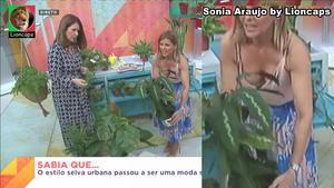 Sónia Araujo sensual no Praça da Alegria