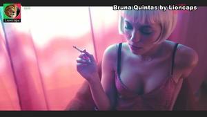 Bruna Quintas sensual na serie Luz Vermelha