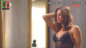 Joana Alvarenga sensual na novela Alguém perdeu