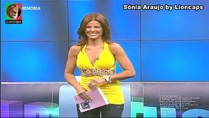 Sónia Araujo sensual a apresentar o concurso Aqui Portugal